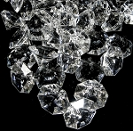 Large 3D acrylic diamonds Clear 32mm in 1lb bag (aprox 56)